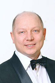 Гарев Максим Юрьевич — заведующий труппой МБУ «ЧМПК «Классика»